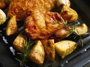 お肉の表面をパリッとこんがり焼き上げる。
